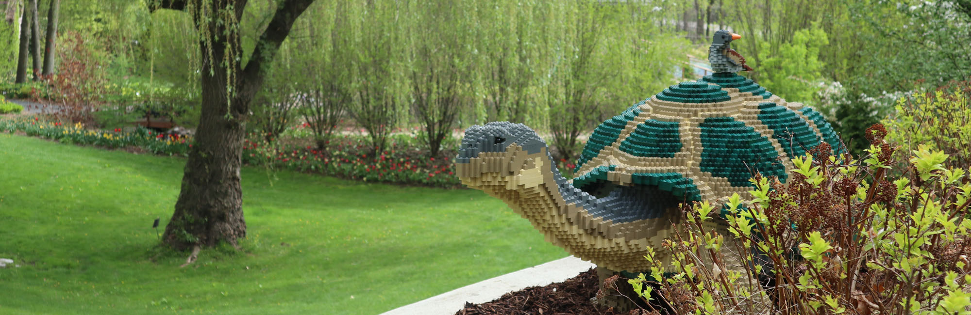 Nature Connects®: Art with LEGO® Bricks