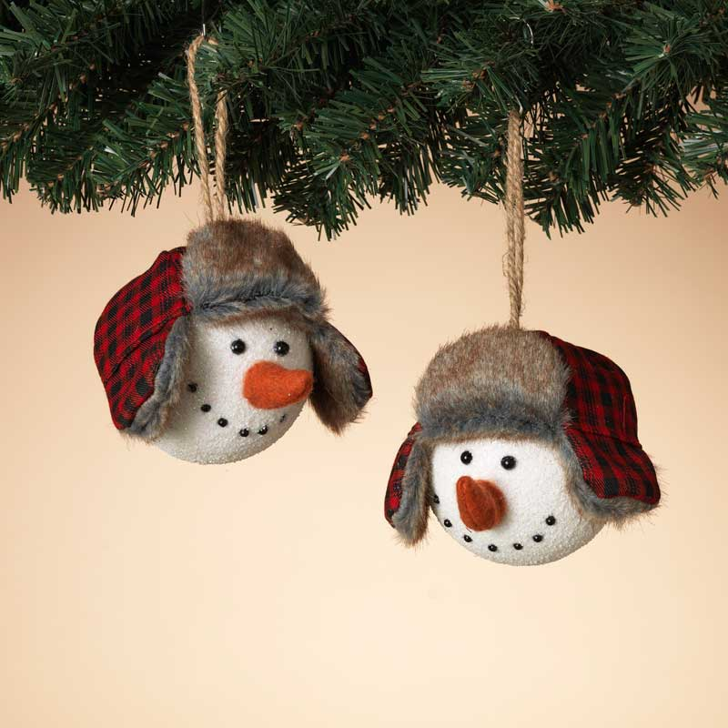 snowmen ornaments with winter hats
